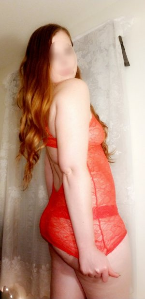 Evelyne escort girls