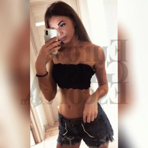 Eylia escort girl in Channelview TX