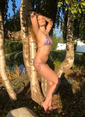Elissia live escort in Valley Cottage